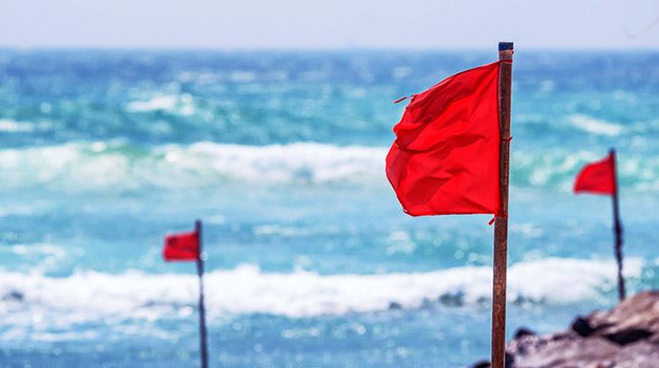 Warning Flags. Banderas. | Bahia Principe Privilege Club